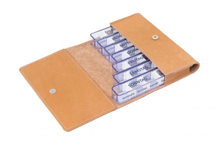 Medidos-DE-No1-Leather-Light-Congnac-Crushed-Open-pill-dispenser-Kibodan-danish-design