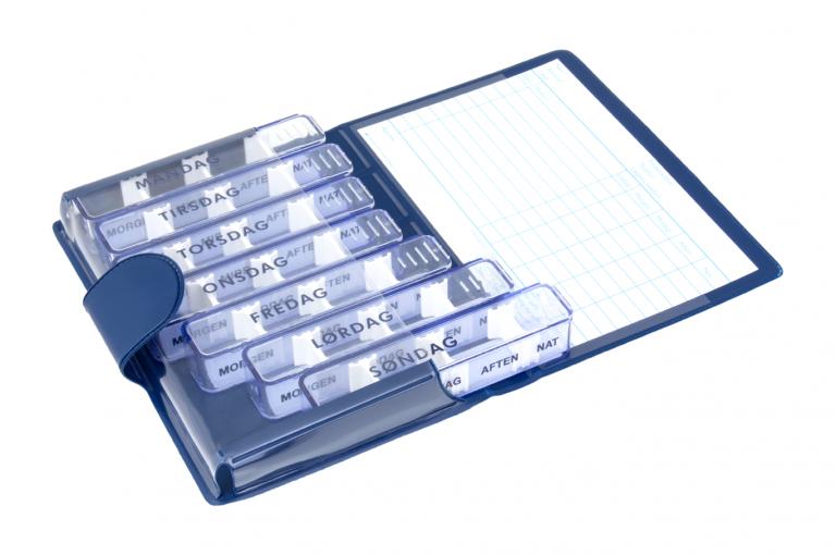 Medidos-DK-No1-Classic-Saphire-Open-pill-dispenser-Kibodan-danish-design
