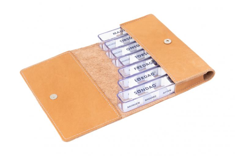 Medidos-DK-No1-Leather-Light-Congnac-Crushed-Open-pill-dispenser-Kibodan-danish-design