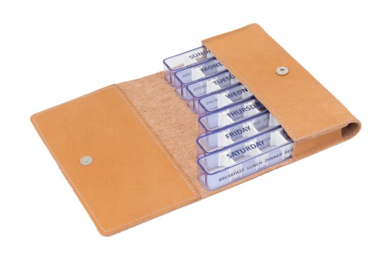 Medidose-GB-No1-Leather-Light-Congnac-Crushed-Open-pill-dispenser-Kibodan-danish-design