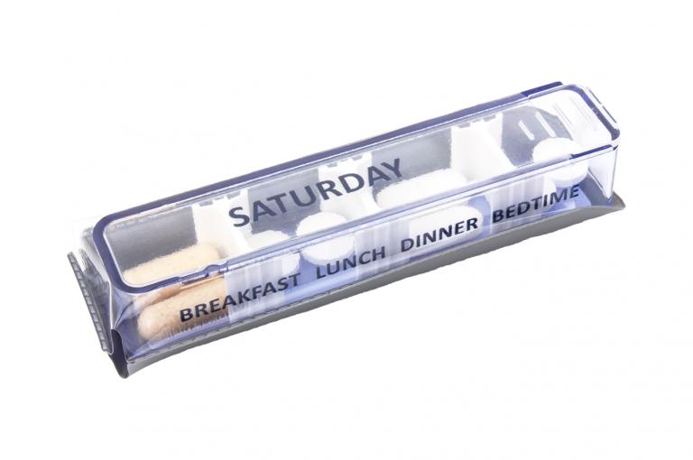 Medidose-GB-No1-Sleeve-Silver-pill-dispenser-Kibodan-danish-design-B-X1