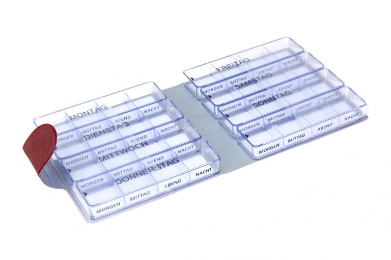 Medimax-DE-No1-Wild-Dark-Red-Open-pill-dispenser-Kibodan-danish-design_1