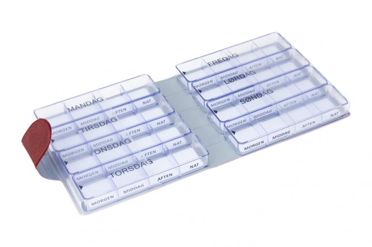Medimax-DK-No1-Wild-Dark-Red-Open-pill-dispenser-Kibodan-danish-design_1