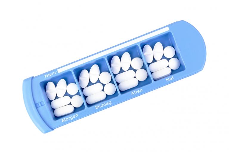 Medinizer-DK-No3U-Single-Top-pill-dispenser-Kibodan-danish-design-B-X1