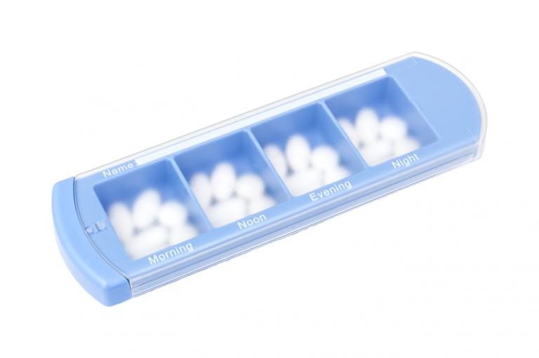 Medinizer-GB-No3U-Single-Perspective-pill-dispenser-Kibodan-danish-design-B-X1
