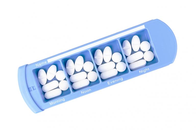Medinizer-GB-No3U-Single-Top-pill-dispenser-Kibodan-danish-design-B-X1