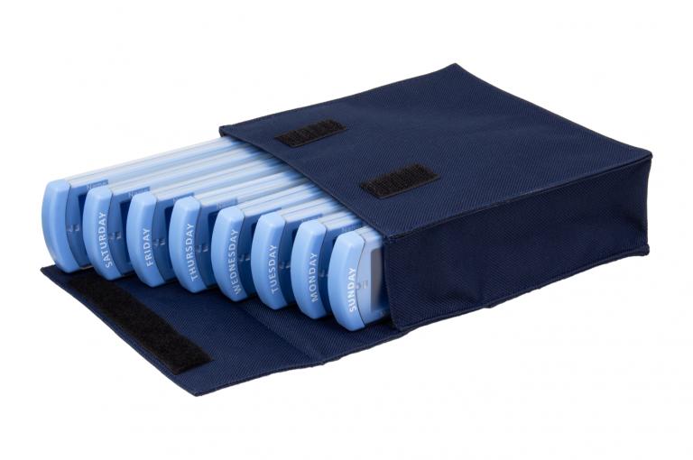 Medinizer-GB-No8-Bag-Dark-Blue-Open-pill-dispenser-Kibodan-danish-design-A-X1