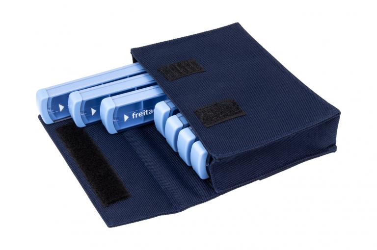 Mininizer-DE-No7-Bag-Dark-Blue-Open-pill-dispenser-Kibodan-danish-design