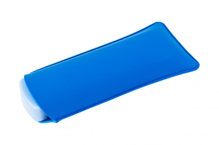 Mininizer-XX-No7-Sleeve-Blue-Closed-pill-dispenser-Kibodan-danish-design-B-X1